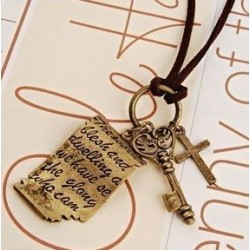 Halsband berlock med kors