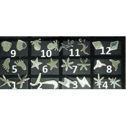 1 par örhänge med metall logga